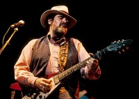 Lonnie Mack, Gibson Flying V
