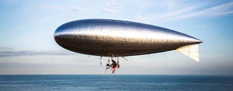 Guy Martin traverse la Manche en ballon