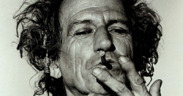 Keith Richards joue du couteau