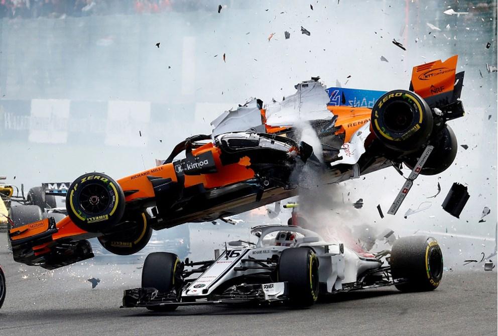 Crash McLaren Fernando Alonso